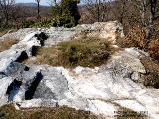 Restos de la ermita semirrupestre de San Pantaleón.
