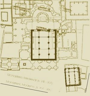 Comparativa entre la planta del templo tosacano de Vitruvio y las de San Salvador y San Tirso de Oviedo según Sánchez-Montaña 10