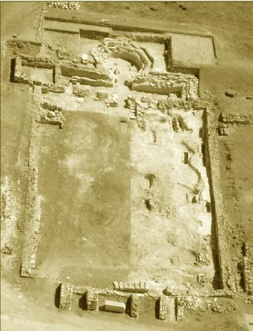 Vista general de la basílica visigoda durante la excavaciones en Septiembre de 2006. Fotografía procedente de un estudio de J.M. Abascal y R. Cebrián sobre la inscripción del obispo Sefronius.