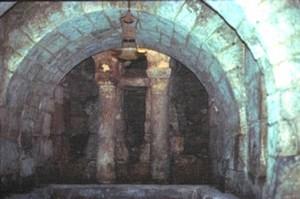 Cripta de San Antolín: Vista de la nave y de la cabecera