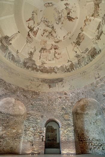 Mausoleo de Centcelles. Vista parcial del interior. Procedente de gencat.cat