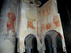 San baudelio de Berlaga. Detalle de restos de las pinturas arrancadas en 1922.