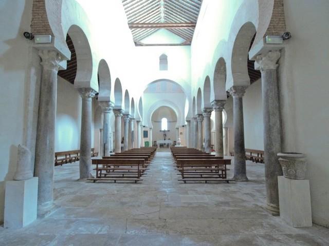 Panorámica  del interior de la basílica. Foto enviada por Aurora Vázquez González a nuestra página en Facebook.