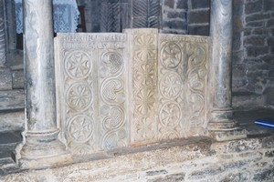 Visigothic inner door plaques in the iconostasis' central arch.