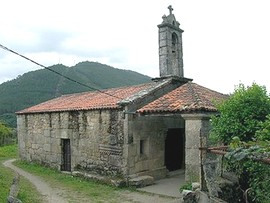 San  Ginés de Francelos: Vista de la ermita desde el noroeste. Foto procedente de Wikipedia Commos, cargada por Jose Antonio Gil Martínez. FREECAT.