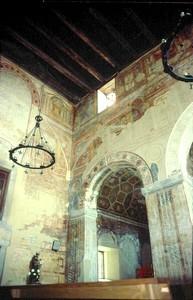 Detalle de las pinturas del transepto y del ábside norte