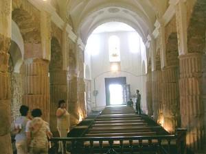 Santa María de los Arcos: Vista general desde la cabecera