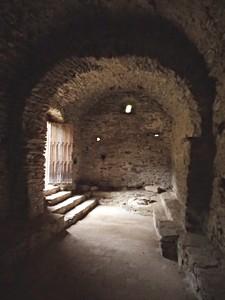 Sant Martí de Bautssitges. Vista interior de la iglesia tomada desde la cabecera.
