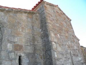 Santa María de Mixos: Vista parcial del testero