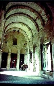 Santa María del Naranco: Vista de la nave superior