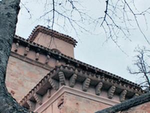 San Millán de Suso: Aleros y modillones de la cabecera. Foto gentileza de Oscar Otero