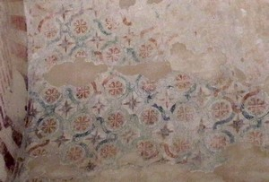 Santiago de Peñalba: Vista parcial de las pinturas de la bóveda de la nave