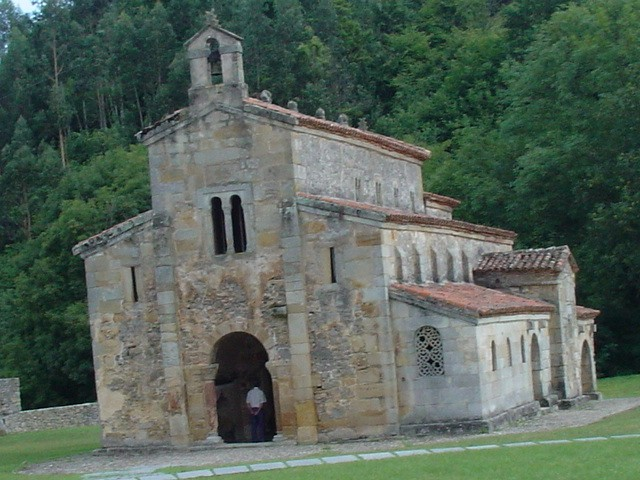 San Salvador de Valdediós: Main façade and southern side