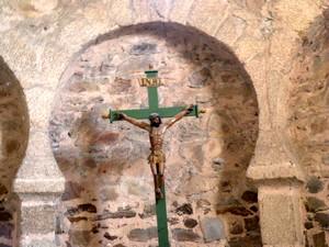 Santo Tomás de las Ollas: Detalle del arco central del ábside