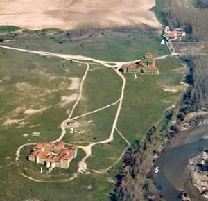 Carranque: Plano del parque Arqueológico de Carranque: 1- Villa de Materno. 2- Ninfeo. 3- Basílica. 4- Centro de Interpretación